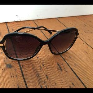 GUESS GF0352 Women's Chic Oversized Sunglasses